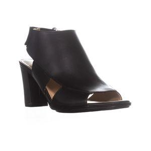 NWOT Naturalizer Sandals